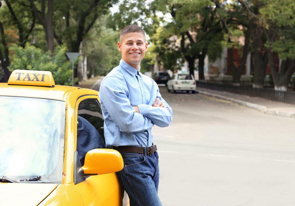 Дочь собралась замуж за таксиста. Как убедить её, что он нам не ровня, и спасти от ошибки?