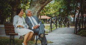 Замуж на старости лет, зачем? Променяла внуков на нового мужа