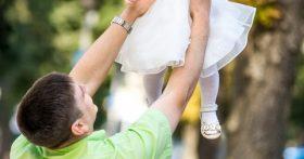Надоело терпеть жену с любовником, поставил условие: либо он, либо дочь