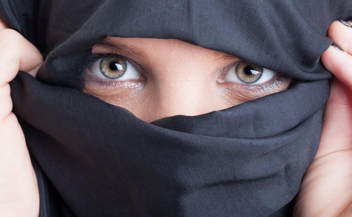 Я сменила религию и втайне вышла замуж за таджика. Боюсь признаться родителям, они никогда это не одобрят