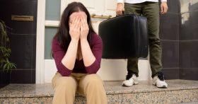 Сын не хочет никаких разборок, а бывшая невестка забирает у меня квартиру