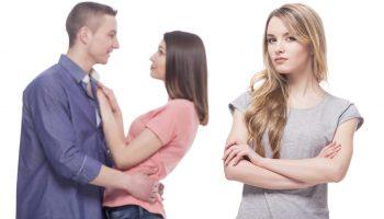 Моя сестра собирается разрушить семью – уйти от мужа и бросить дочь. Всё ради какого-то парня. Как её вразумить?