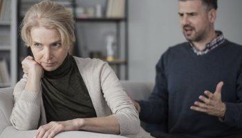 Долго терпела измены, но решилась на развод. Почему так больно от расставания с предателем? Как теперь жить?