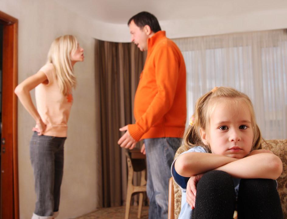 Не могу после развода оставить дочь жене, она только деньги любит и мужиков, но даже моя мать просит не торопиться
