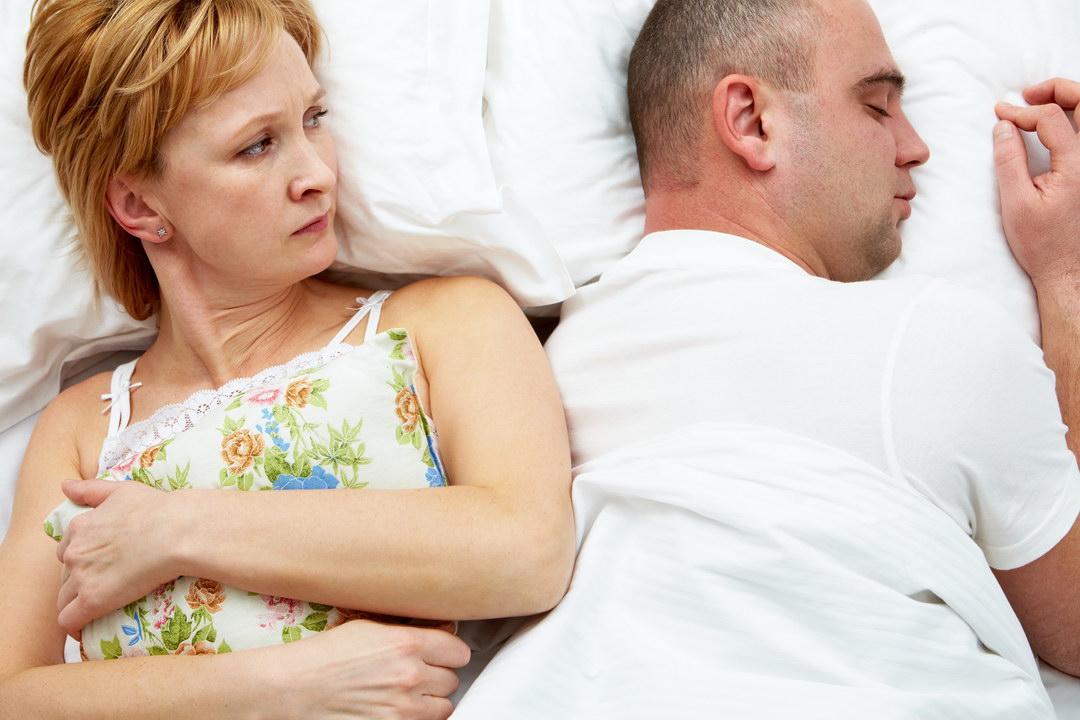 Муж не удовлетворяет меня в постели. Я даже не успеваю понять – что-то было или показалось. Что делать? Мне нет ещё и 40