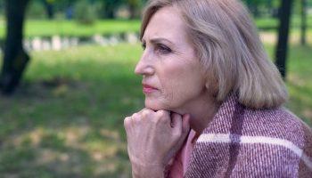 Мама после 38 лет брака бросила отца. Говорит, устала ему прислуживать. Как убедить её одуматься, старость же на пороге?