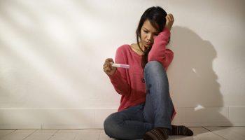 Мы с мужем мечтаем о ребёнке, но не получается забеременеть. А кто-то делает аборты. Почему жизнь так несправедлива?!