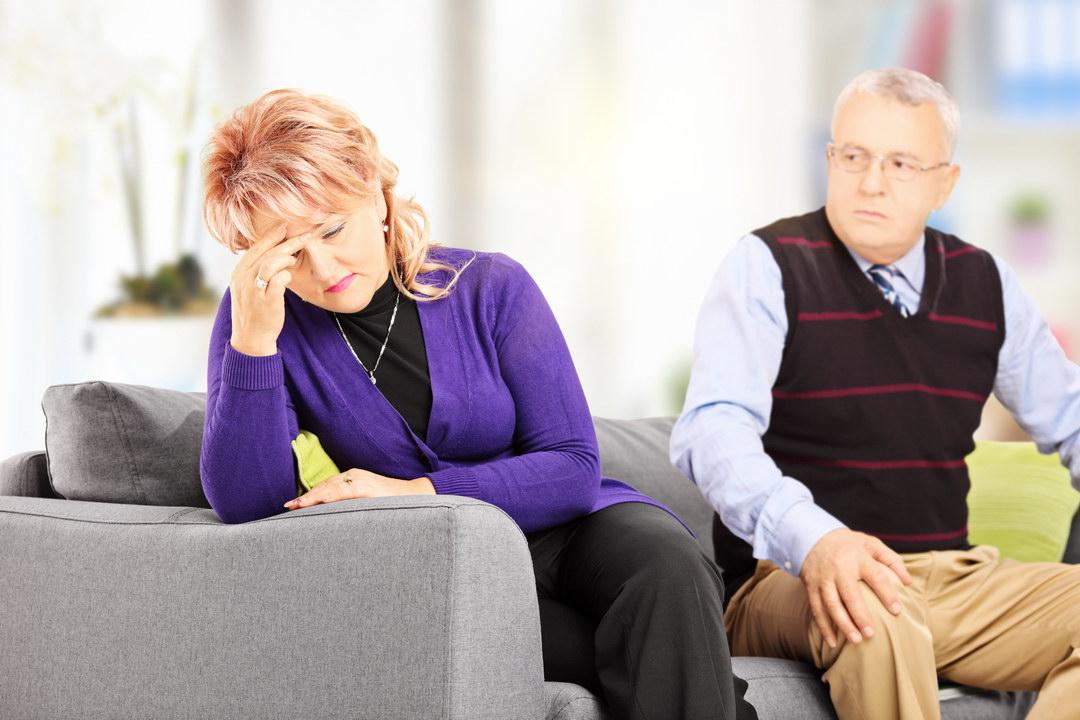 Муж завёл любовницу и изводит меня, чтобы я сама ушла из дома. Он боится потерять квартиру. Как поставить его на место?
