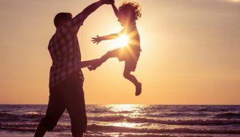 Полюбил девушку, через полгода оказалось, у неё есть сын. Принял и его. Считаю, ей повезло со мной. А она это не ценит!