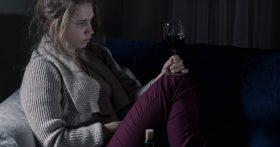Меня бросают все мои мужчины. Не пойму, что во мне не так? 31 год, хорошая фигура, своя квартира… Почему я одинока?