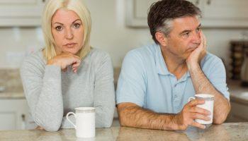 С нами живёт 17-летняя дочь мужа и делает мою жизнь ужасной. Как по-тихому устроить, чтобы она переехала к своей маме?