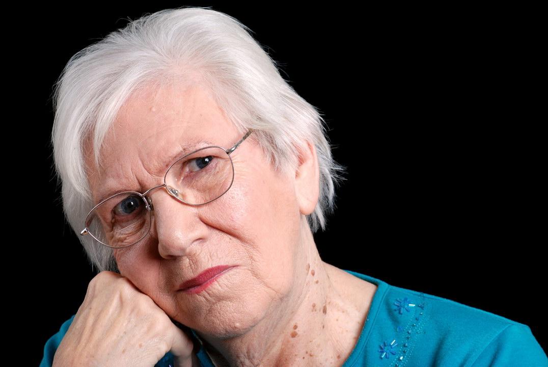 На пенсии не разгуляешься, вот и дети нас стали редко навещать - мы уже деньжат не подбросим. Обидно