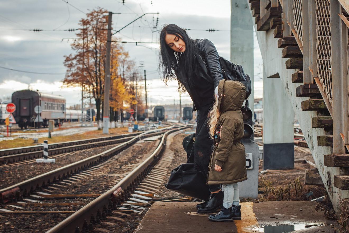 После каждого скандала дочь забирает ребёнка, вещи и уезжает к нам. Потом возвращается. Сколько можно, что делать?