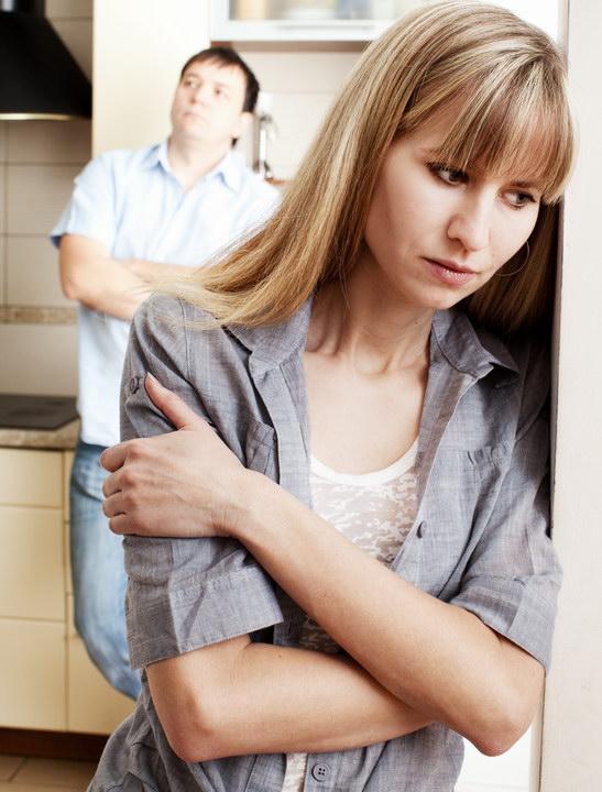 Родственники мужа из села повадились ездить к нам в городскую квартиру, как настоящая «саранча». Как прекратить это?