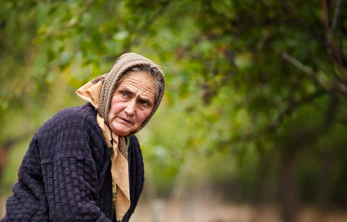 Не доверяйте присмотр за престарелыми родителями незнакомцам