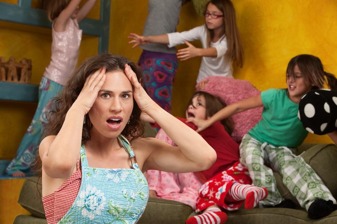 Не могу вывести у ребенка вшей. И я знаю кто виноват – соседние многодетные. Да только, что делать – не знаю