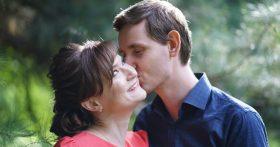 Мы уже 3 года в браке, но только сейчас узнала, что часть зарплаты муж отдаёт бывшей. Не понимаю зачем? Детей у них нет