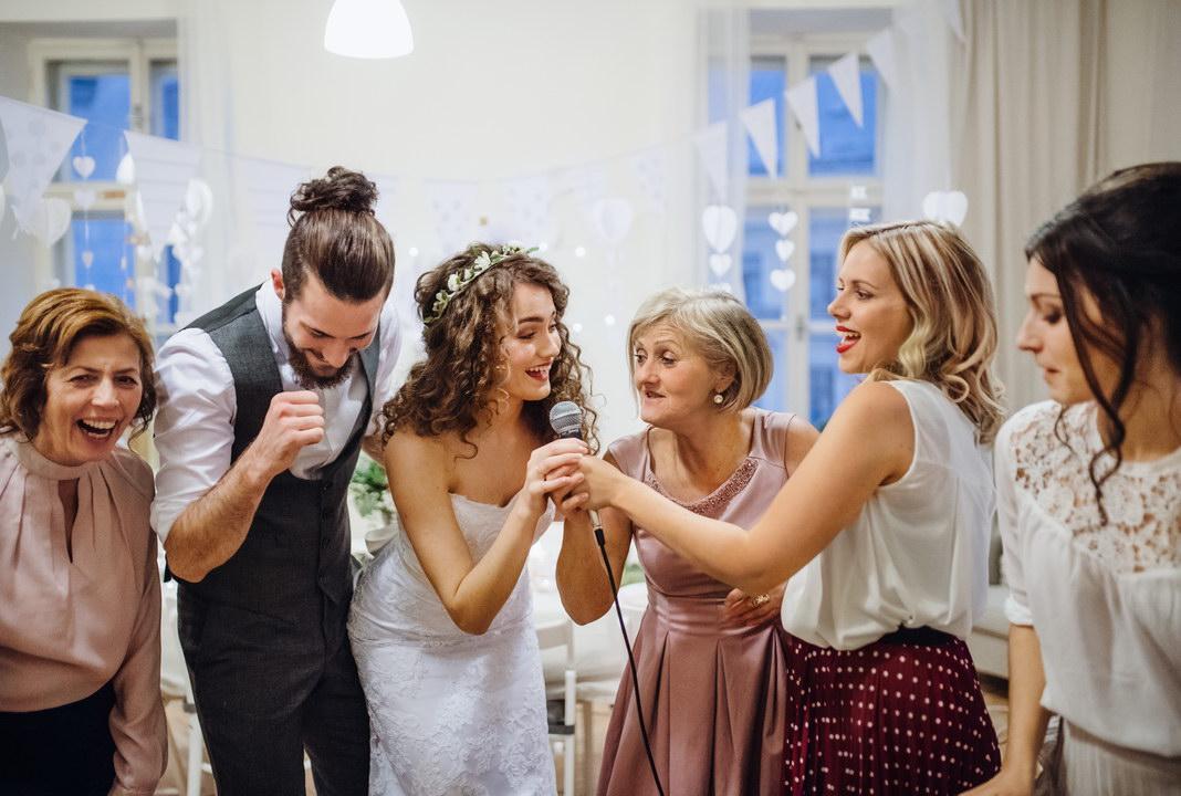 Родственники озвучили сумму подарка на свадьбу. Разве так можно?