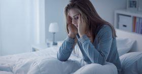 Муж настаивает, чтобы его мать жила с нами. А я свекровь терпеть не могу. Как его переубедить?