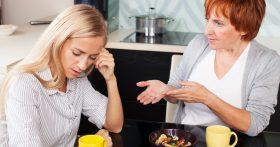 Решила посоветоваться со свекровью, что делать с изменой мужа, но не учла, что у неё могут быть свои интересы