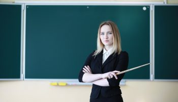 Я обычная учительница. Ненавижу свою работу, но работаю и буду работать